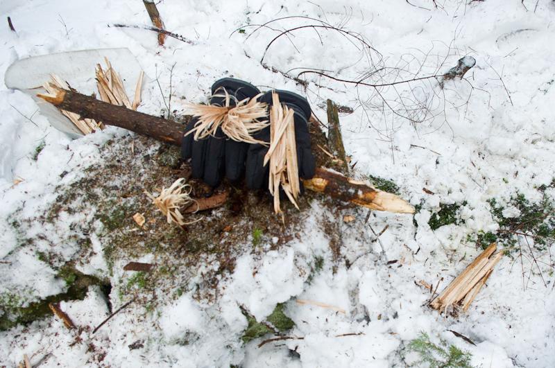 jak rozpalić ogień zimą survival